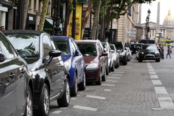 Le système de stationnement prédictif par BMW