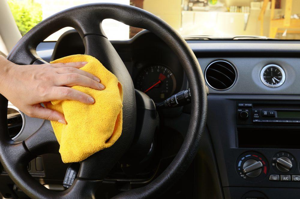 Votre voiture est un nid à bactéries