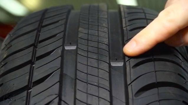 Comment reconnaître des pneus usés?